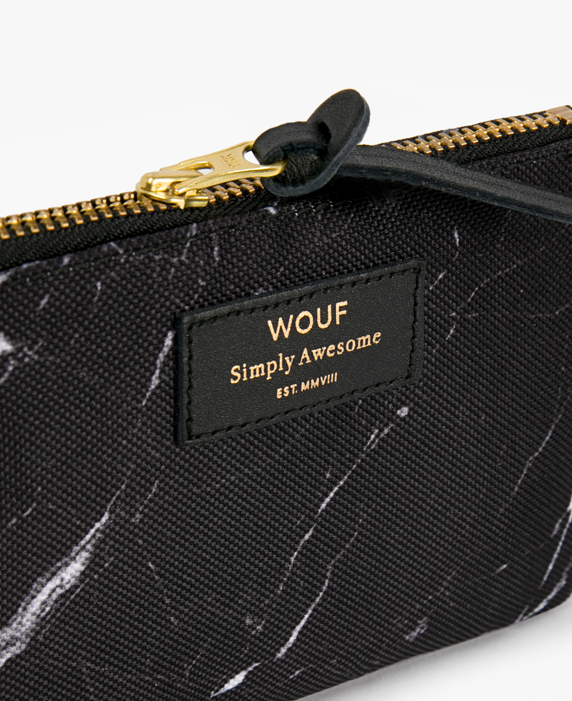 chic Woman pouch