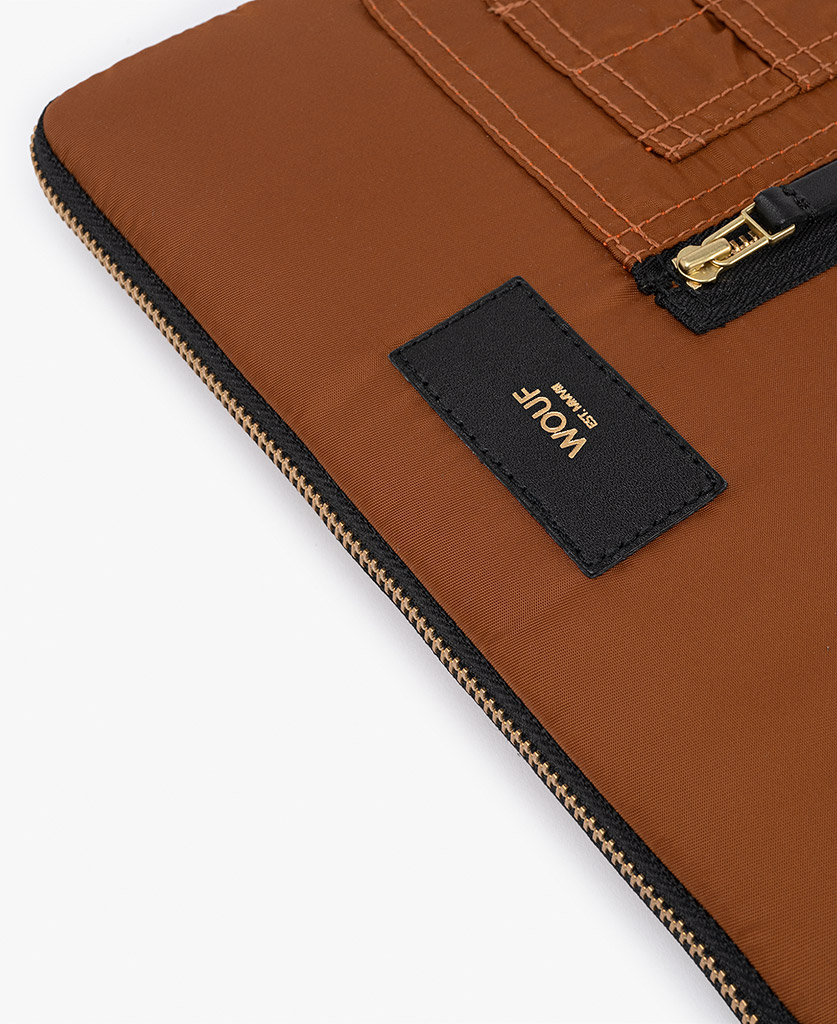 smart brown ipad case for man with black leather