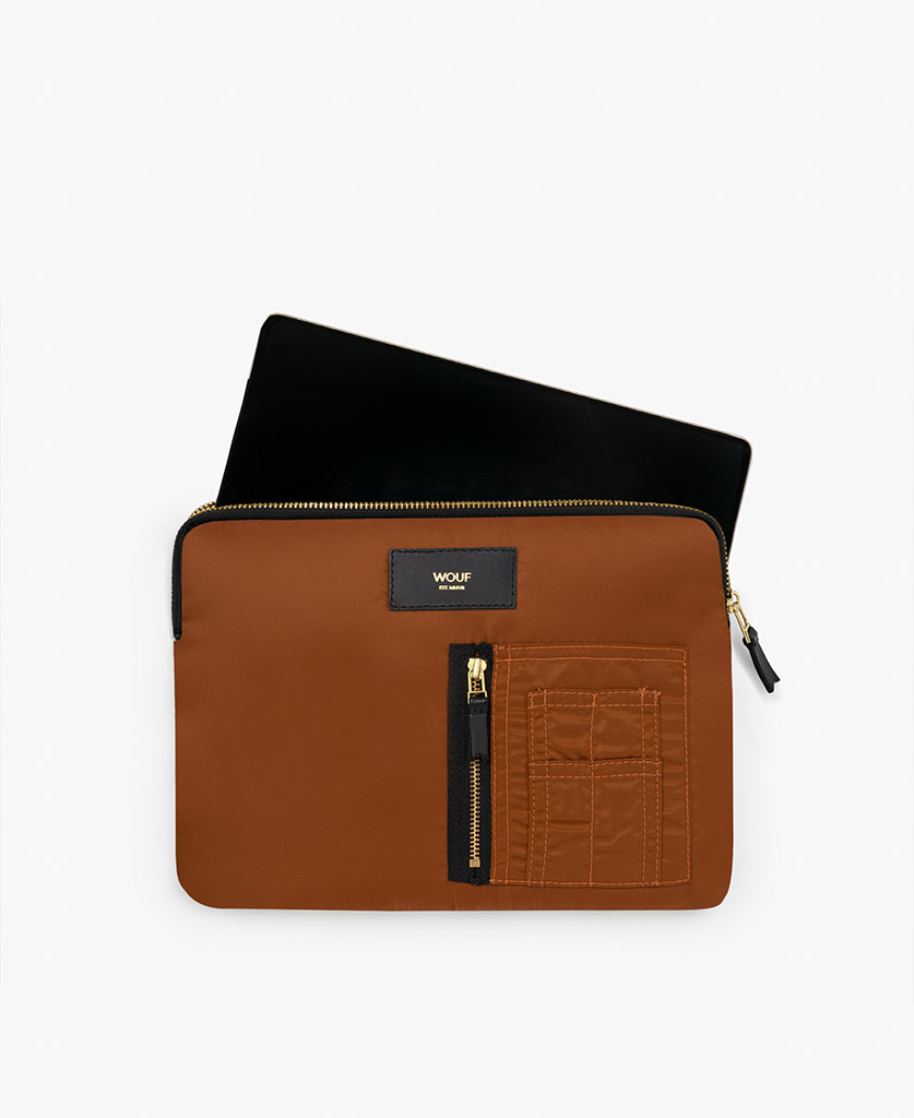 smart brown ipad case for man