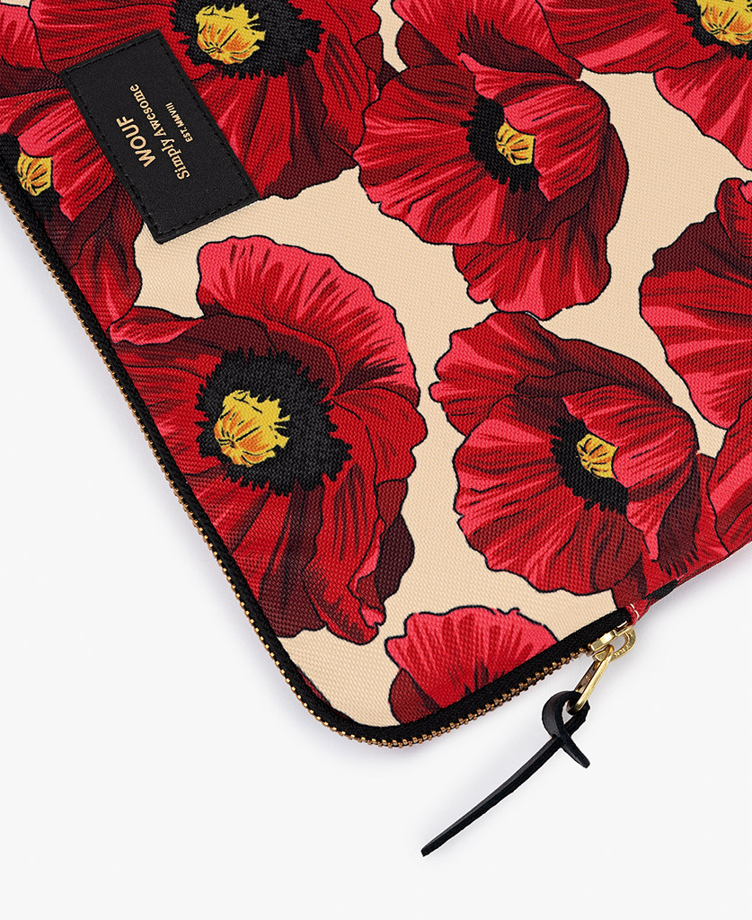 woman laptop case with red flowers