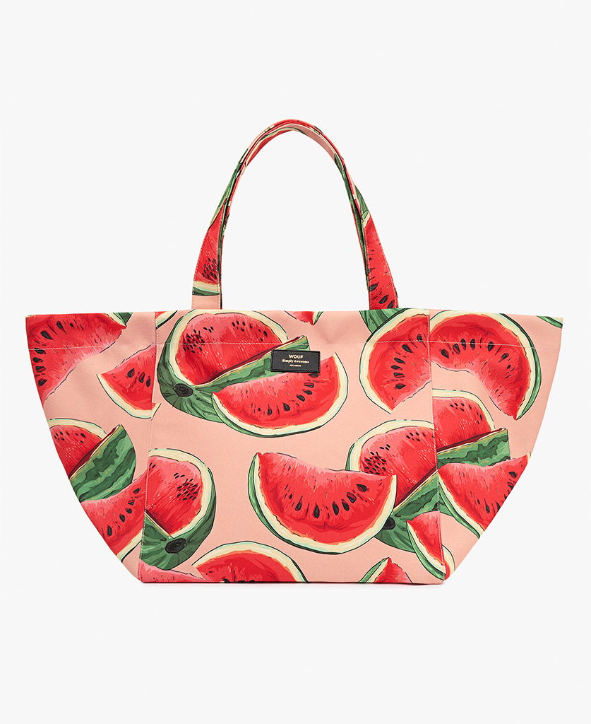 woman's pink tote bag for summer
