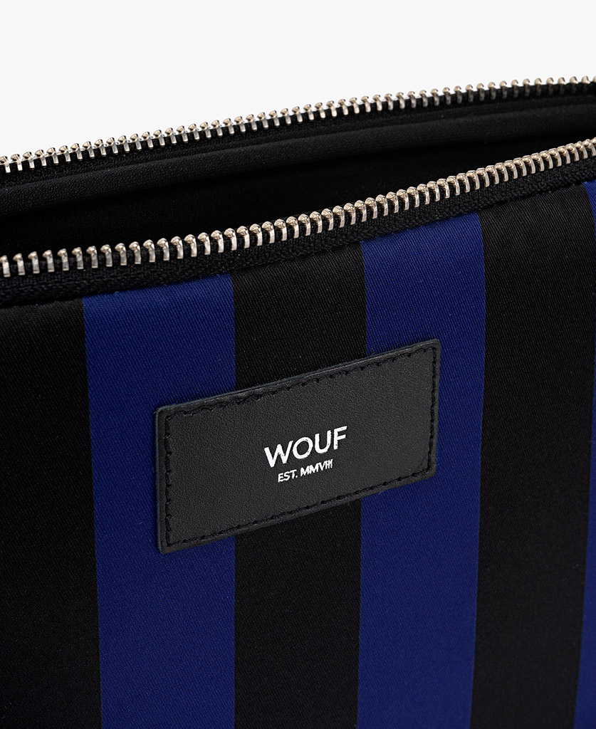 man's ipad case in black and blue